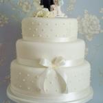 Elegant 3 tiered Wedding Cake.